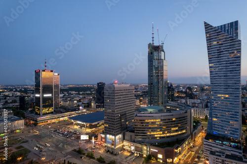 centrum Warszawy, wieżowce zachód słońca