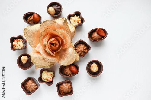 Billede på lærred set of chocolates isolated on white background