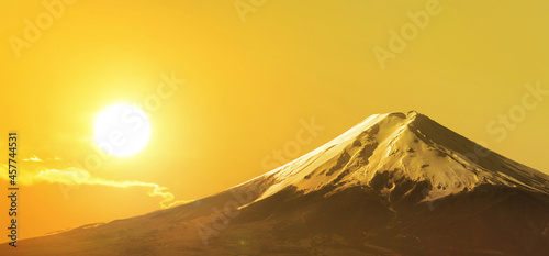 Canvas 富士山と朝日|初日の出・朝焼けイメージ