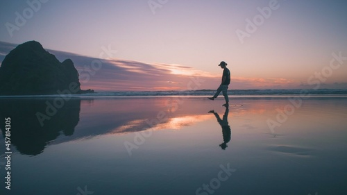 Piha is one of the black sand beaches in New Zealand and the most popular place for surfing and city escape in the Auckland area, its about 40 minutes drive from Auckland city