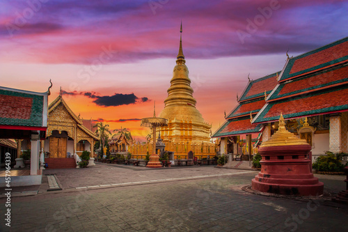 Fotografie, Obraz Wat phra that hariphunchai was a measure of the Lamphun, Thailand