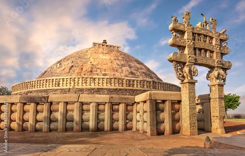 Obraz na plátně Sanchi Stupa is a Buddhist stone structure located on a hilltop at Sanchi Town i