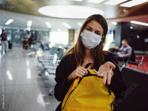 Canvastavla passenger medical mask breeder porto yellow backpack waiting