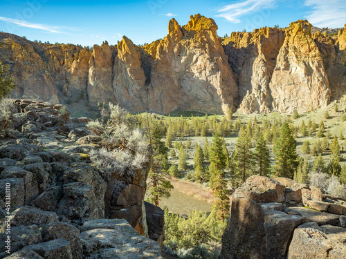 Leinwand Poster Smith Rock In Late Afternoon