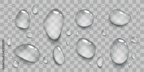 Photo Set of realistic transparent water drops.