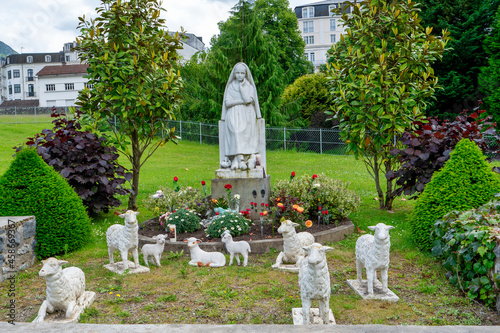 Obraz na plátně Statue of Bernadette of Lourdes