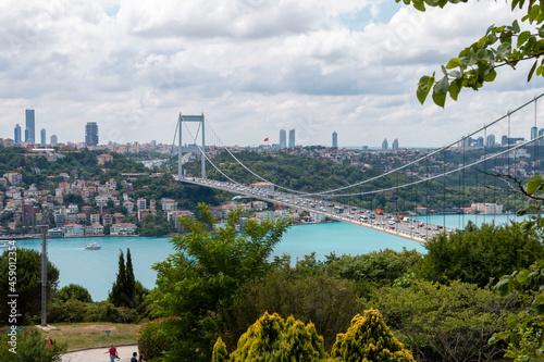 Foto ISTANBUL, TURKEY, JUNE 18 2021,  Istanbul Bosphorus from Otagtepe