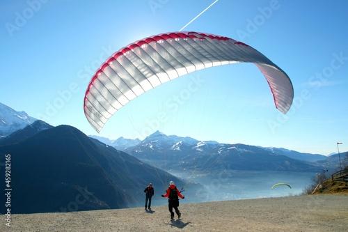 Fotografija Parapente dans les Alpes