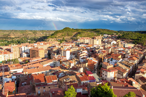 Obraz na plátně Late afternoon view over the Spanish meseta and the town of Alcañiz (Teruel, Ara