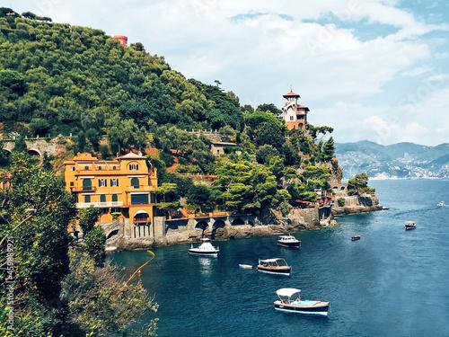 Obraz na plátně Paraggi coast with colored houses in Tigullio gulf, Portofino, Liguria