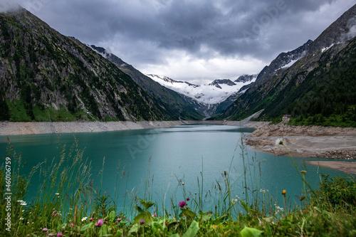 Fotografija Blich auf den Schlegeisspeicher in Tirol, Österreich mit Gletscher