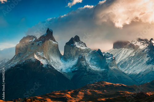 Tablou Canvas Dramatic dawn in Torres del Paine, Chile