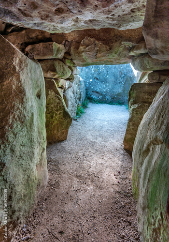 Fototapeta Insideancient burial chambers at sunrise,West Kennet long Barrows,Wiltshire,UK