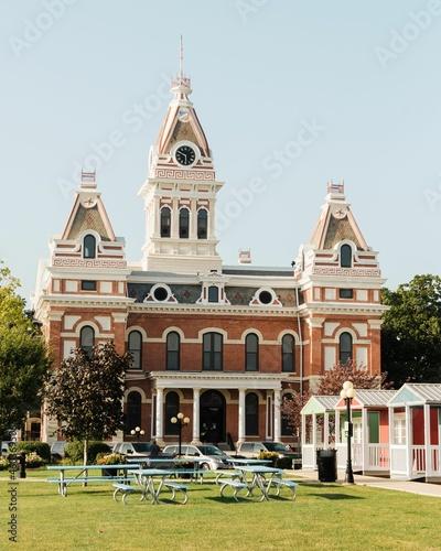 Obraz na plátně Livingston County Courthouse, in Pontiac, along Route 66 in Illinois