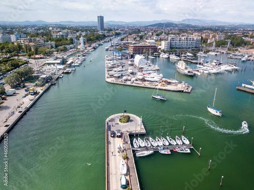 Obraz na plátně Rimini August 2021 - view of the port of Rimini in Emilia Romagna