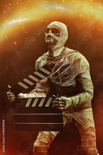 halloween mummy with clapperboard Fototapet
