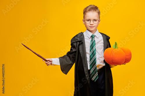Fotografija wizard conjuring on halloween