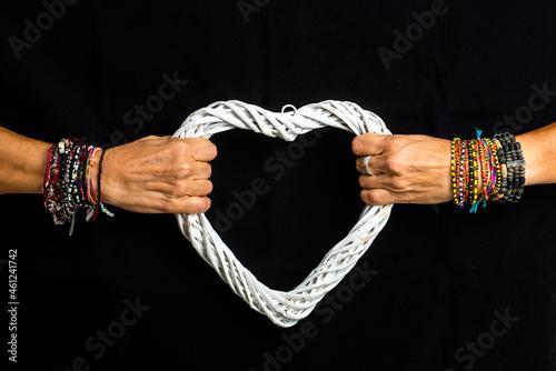 Murais de parede heart disputed captive love