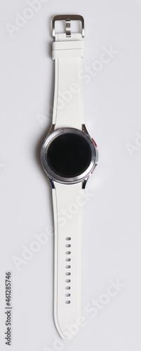 Valokuva Smartwatch with white bracelet