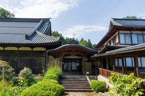 貞祥寺の本堂と回廊/日本長野県佐久市 Fototapete