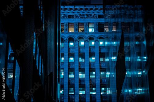 Billede på lærred Night alleyway in Cleveland, Ohio