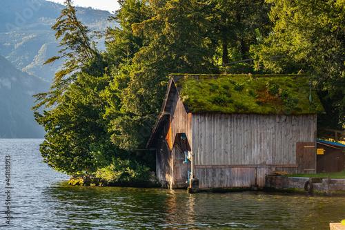 wooden boathouses at Traunsee, Traunkirchen on sunny autumn morning, Salzkammerg Fototapet