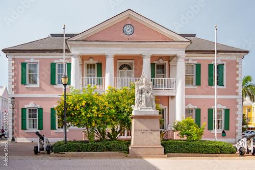 Fototapeta Statue of Queen Victoria in Nassau Bahamas