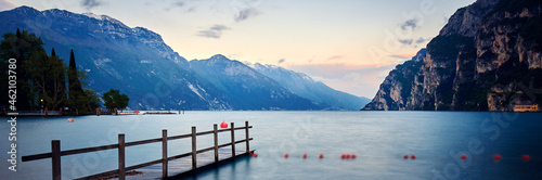 Obraz na plátně View of the beautiful Lake Garda surrounded by mountains,Riva del garda and Gard