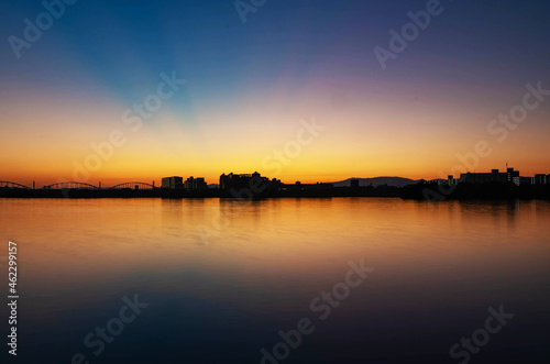 Foto 晴天の夜明け前