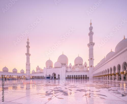Fotografering Sheikh Zayed Grand Mosque during sunset, Abu-Dhabi, UAE