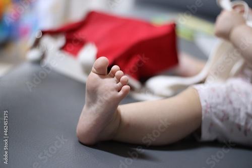 Obraz na plátně 아기의 발