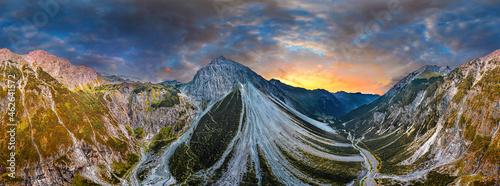 Fotografia aerial of the Alps in Verdans Austria