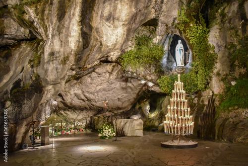 Fotografie, Obraz Lourdes, France - 9 Oct 2021: Shrine to the Virgin Mary at the Massabielle Grott