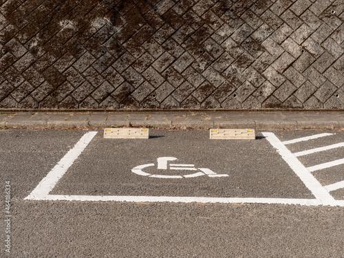 Fotografie, Tablou 身体障害者用の駐車場