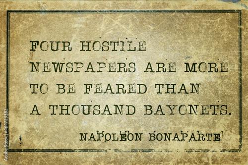 Murais de parede hostile newspapers Napoleon