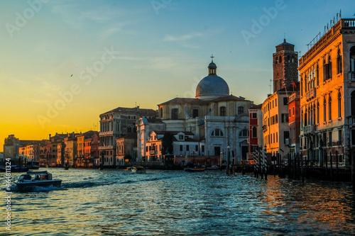 Slika na platnu On the vaporetto along the Grand Canal towards the center of Venice at sunset